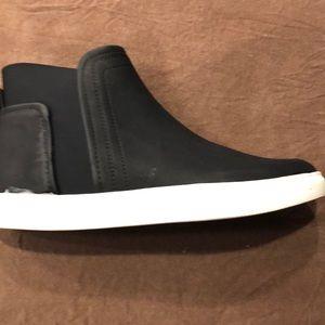 Kenneth Cole Sneaker